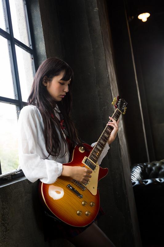 MizukiAragaki_zero-4.jpg